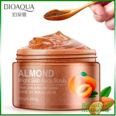 Гель-скраб для тела с маслом миндаля Bioaqua